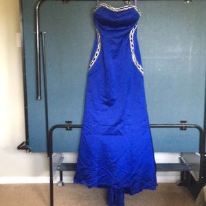 Jovani sz 4 Royal blue rhinestone embellished gown